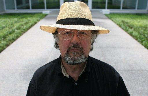 Max Neuhaus: Radio Net
